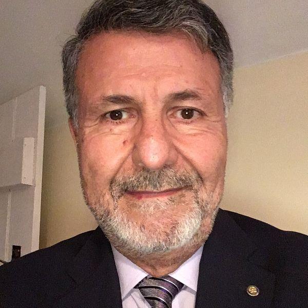 Mos Kalbassi profile shot