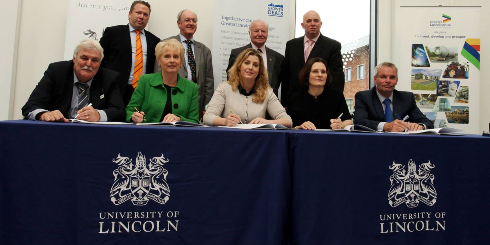 Growth deal signing ceremony with LEP Board