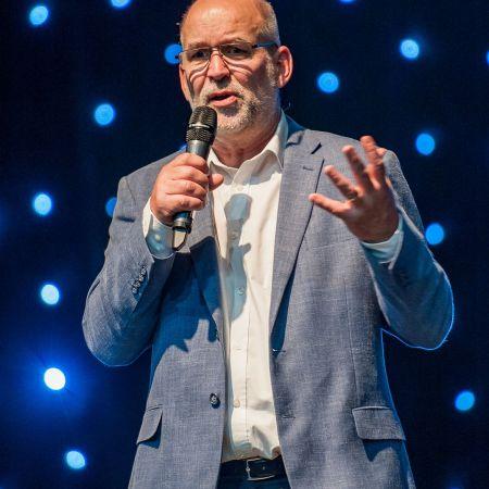 Mark Webb profile shot