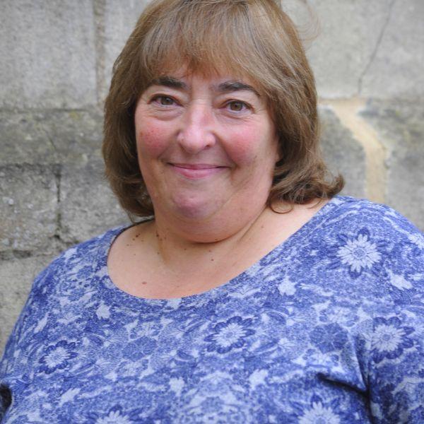 Mary Powell profile shot