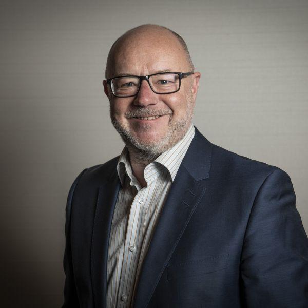 Simon Dwyer profile shot